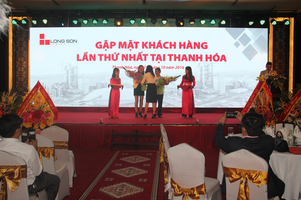 The first Customer Conference in Thanh Hoa