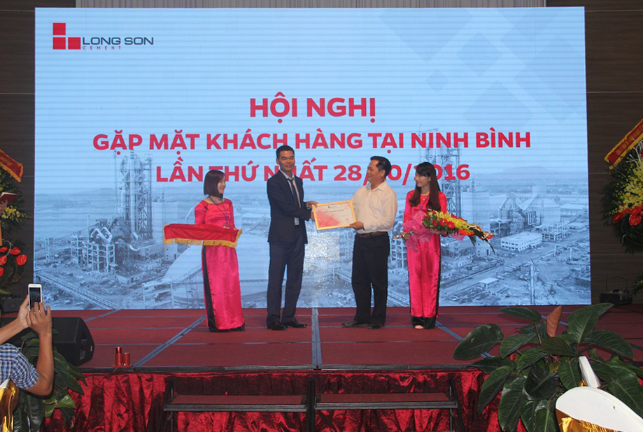 The first Customer Conference in Ninh Binh