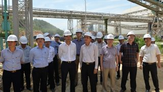 Vice Chairman of the People's Committee of Thanh Hoa Province made a visit and inspection for the production of Long Son Cement Plant