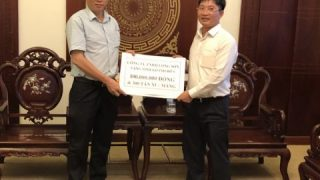 Long Son Cement Company visited and donated to the storm victims in Khanh Hoa