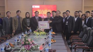 Chairman of the People's Committee of Bim Son Town visited and congratulated Long Son Cement in Tet Holiday