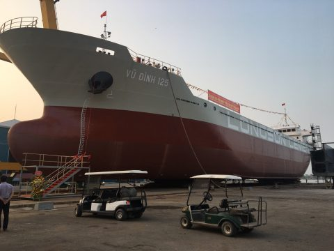 Launch successfully a 7,000 – ton cement ship at the Pacific Shipyard – Hai Phong