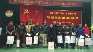 Xi măng Long Sơn chung tay chăm lo cho người nghèo xuân Đinh dậu 2017