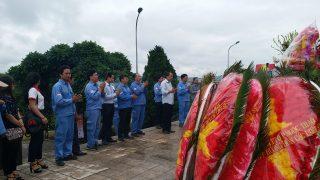 Công ty Xi măng Long Sơn dâng hương tưởng niệm các Anh hùng liệt sỹ.