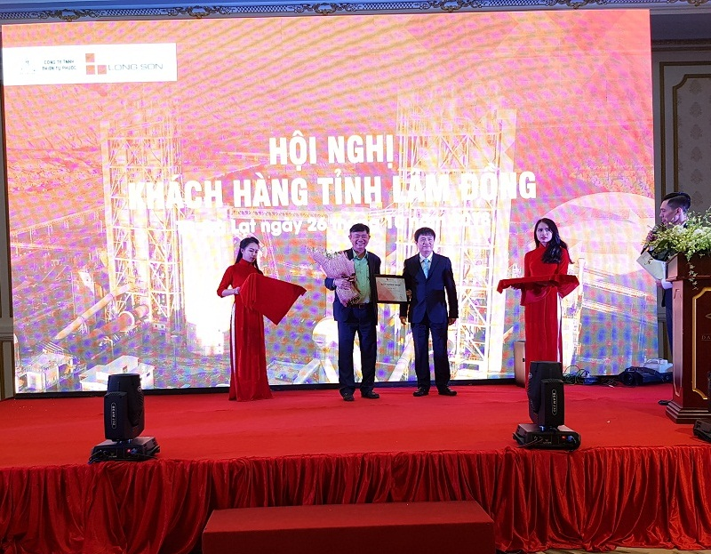 Xi măng Long Sơn – Tổ chức Hội nghị gặp mặt khách hàng tỉnh Lâm Đồng.