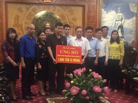 Công ty Xi măng Long Sơn – Hỗ trợ khắc phục thiệt hại mưa lũ tại Thanh Hóa.