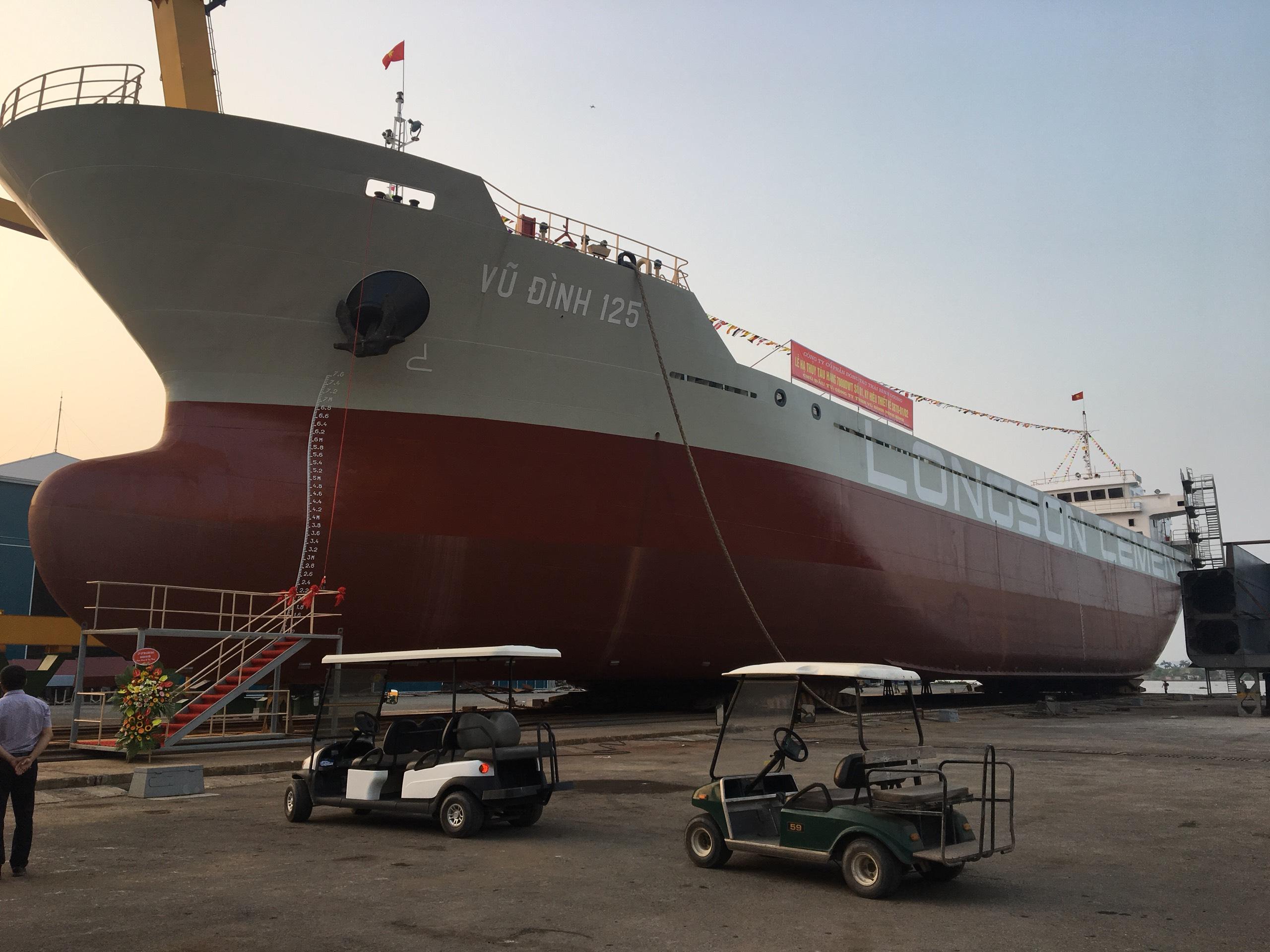 Hạ thủy thành công tàu chở xi măng trọng tải 7.000 tấn tại Nhà máy đóng tàu Thái Bình Dương – Hải Phòng