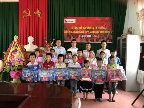 Công ty Xi măng Long Sơn – Cặp sách em tới trường