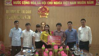 Công ty Xi măng Long Sơn – ủng hộ đồng bào huyện Quan Sơn, Mường Lát bị thiệt hại do mưa lũ.