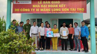 Công ty Xi măng Long Sơn – Trao tặng nhà tình thương dịp tết đến, xuân về.