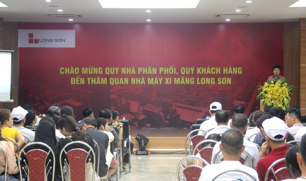 Xi măng Long Sơn chào mừng Quý Khách hàng Thành phố Hà Nội về thăm quan Công ty.