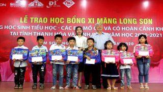 Trao học bổng của Công ty Xi măng Long Sơn cho học sinh có hoàn cảnh đặc biệt khó khăn