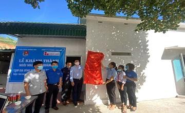 Công ty Xi măng Long Sơn hỗ trợ xây dựng 252 nhà tình thương trên cả nước.